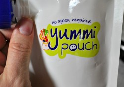 Yummi Pouch Review, GIVEAWAY & Applesauce Recipe {It's a Trifecta!}